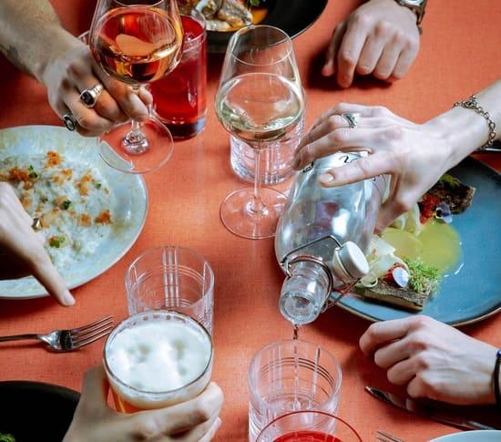 aperitivo-sui-Navigli-di-Milano-Iter